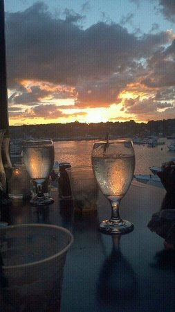 Madison Inn: Dinner overlooking the boats
