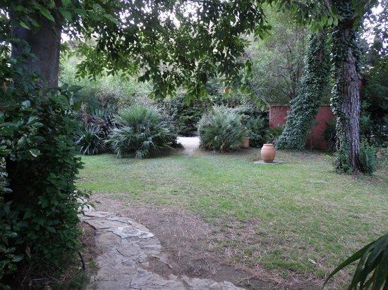 Les Jardins de Cassis : Un petit coin du jardin