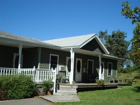 Bay Vista Motel: Deck 30 -27