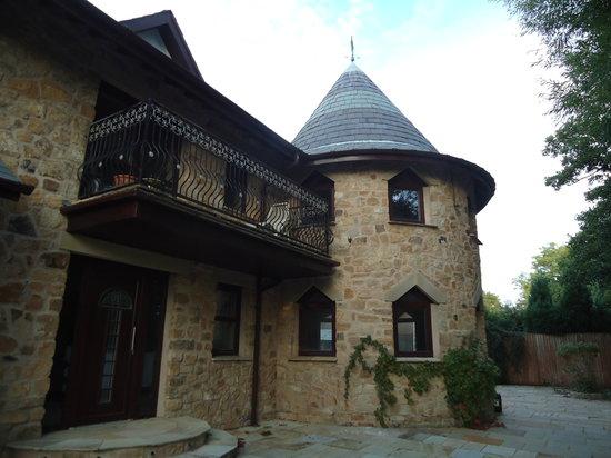 Meadowside Castle B&B: house