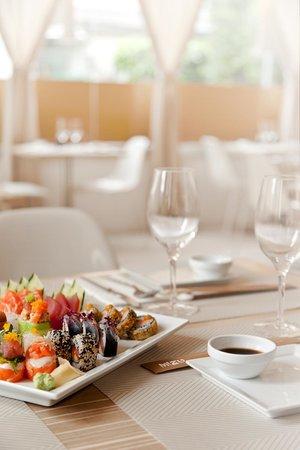 Mizu Sushi & Anti-Sushi : Sushi to Sashimi free style
