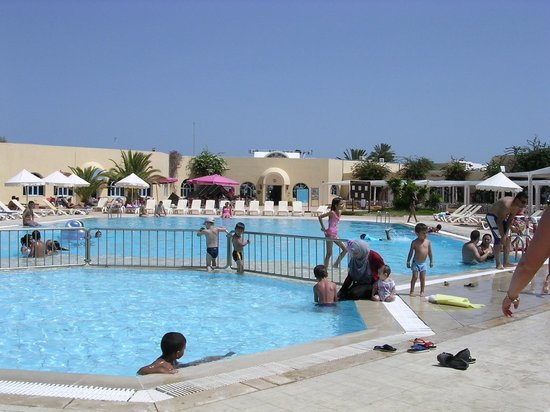 Piscine photo de hotel djerba les dunes houmt souk for Piscine franconville