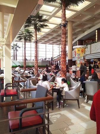 Grand Cafe: 13.03.02【グランカフェ】店内の雰囲気①