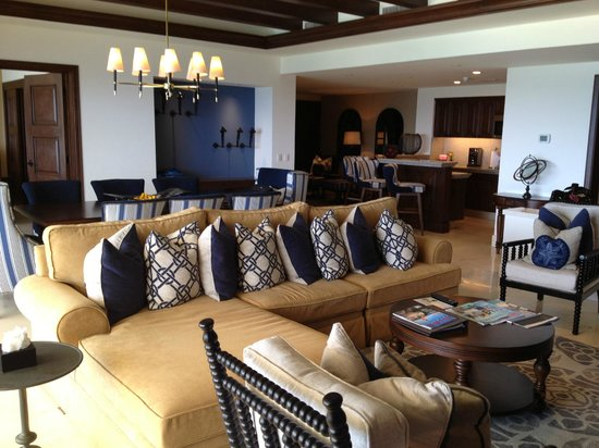 Grand Solmar Land's End Resort & Spa: Living room, dining room, kitchen and murphy bed nook