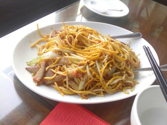 Baby Buddha Chinese Teahouse: Chinese roast pork with dry fried thick egg noodles