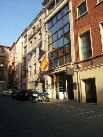 Hotel Teruel Plaza: Entrada