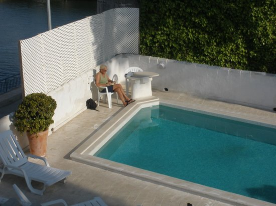 Tavira Inn: Pool from balcony
