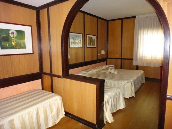 Benny Hotel: prospettiva diversa della camera quadrupla
