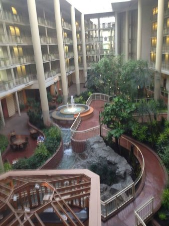 Embassy Suites by Hilton Parsippany : View from one of the glass elevators