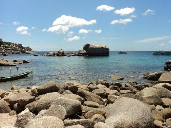 Ao Tanot Bay: d