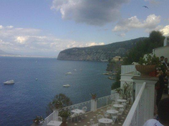 Grand Hotel Riviera: Panorama dal salone d'accesso