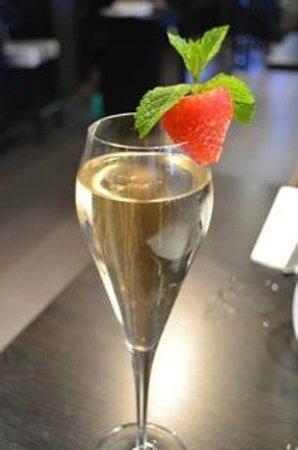 Le Zebre : Belle coupe de champagne