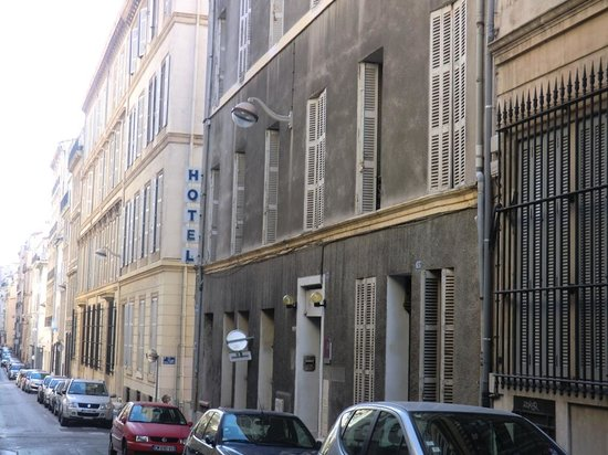 Sylvabelle Hotel: La rue de l'hôtel