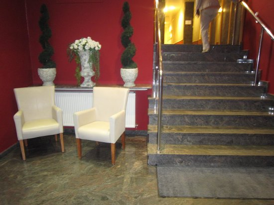 Excelsior Hotel Luebeck: fHotellet indgang