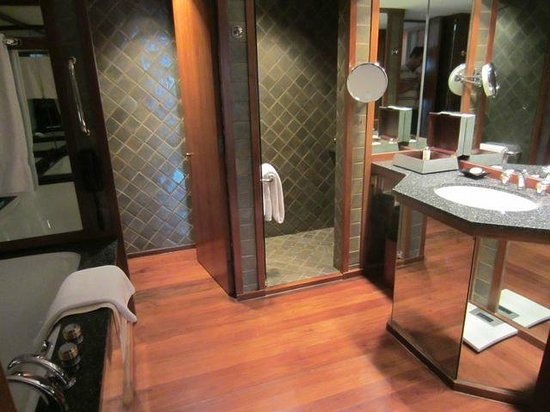 The Sukhothai Bangkok: Bathroom