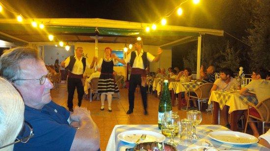 Ilios Club Hotel & Villas: cena greca 2