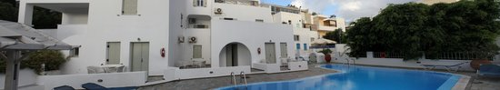 Nissos Thira Hotel: view from opposite the pool facing our room