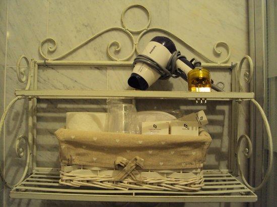 La Locandiera : secador e kit banho