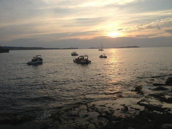 Mint Lounge : sunset view