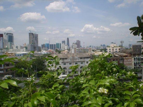 โรงแรมเซ็นจูรี่ พาร์ค: GREAT CITY VIEW FROM POOL
