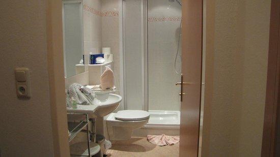 Postwirt: Nette badkamer