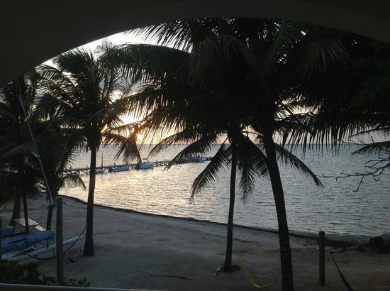 Caribbean Villas Hotel: Sunrise from deck