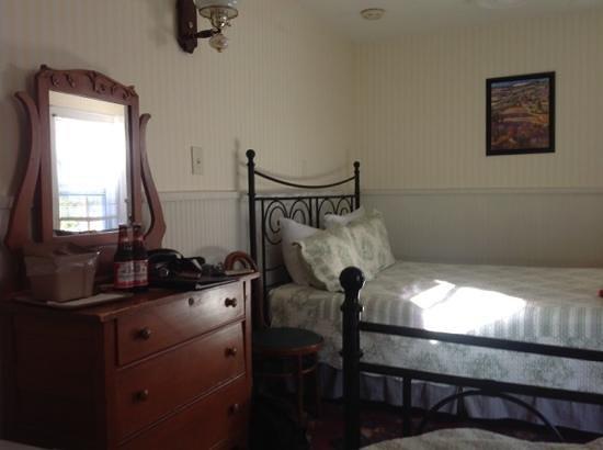 Hotel Charlotte : Schlafzimmer zum Hof