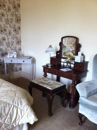 Glewstone Court: Octavia room