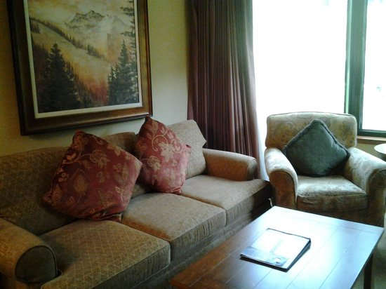 Resort at Squaw Creek: Living area