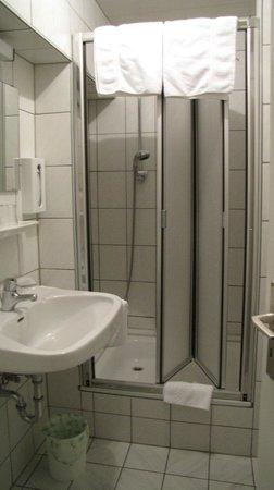 Gasthaus Kellerer: Badkamer
