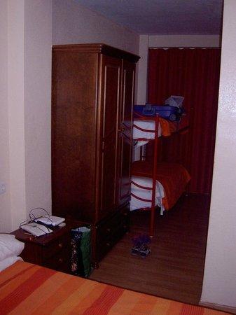 Hotel Andalucia : camas supletorias