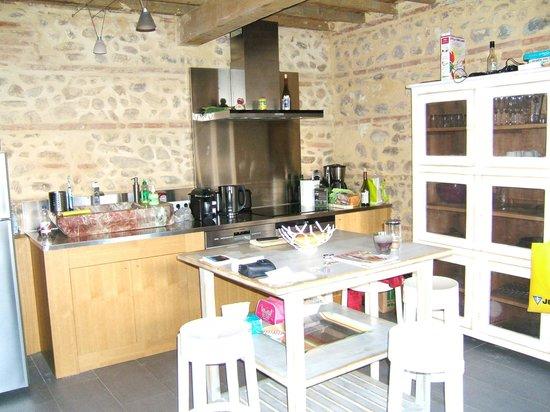Bastide Le Petit Clos: Küche unten