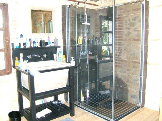 Bastide Le Petit Clos: Dusche oben