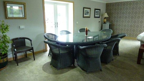 Birchwood House: Lounge