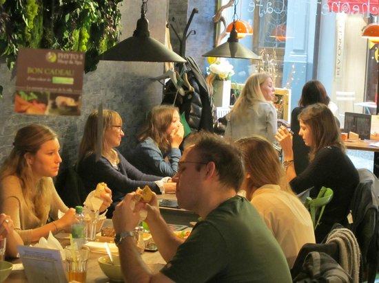 Luncheonette Cafe: Salle à manger convivial