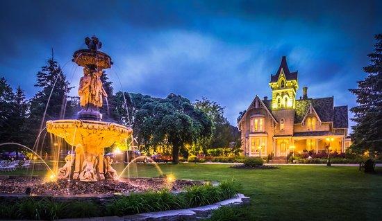 Elm Hurst Inn & Spa: The Italian Fountain