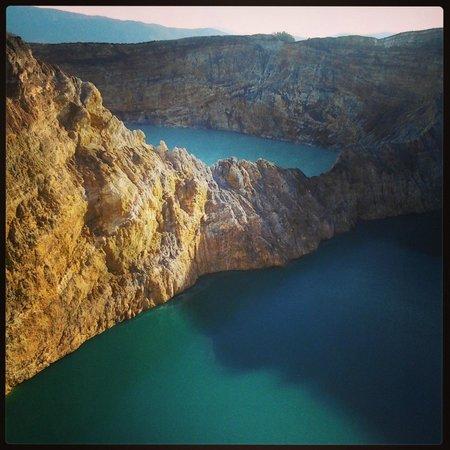 Mount Kelimutu: Dos de los lagos del Kelimutu