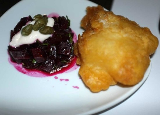 Athiri : Salted cod fritter with beetroot