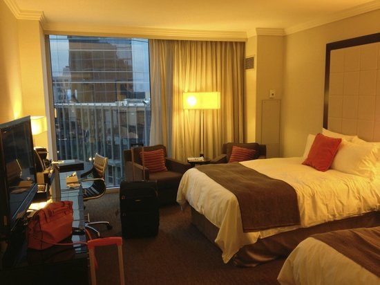 Loews Atlanta Hotel: Twin room on 16th floor