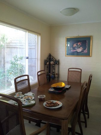 Lurline House: Dining room