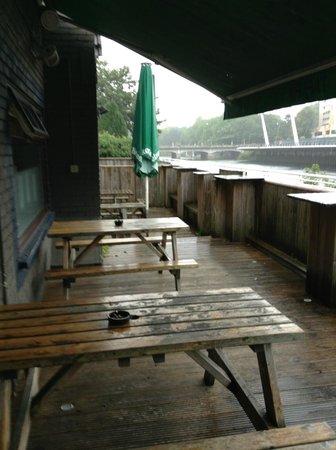 NosDa Hostel & Bar: outdoors