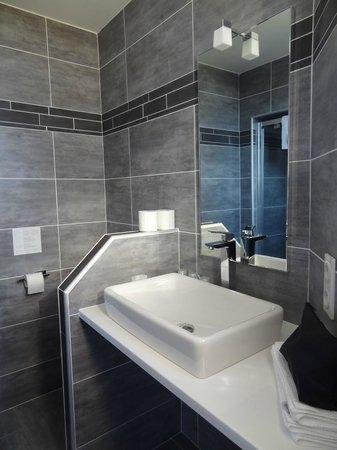 Hotel La Santa : Salle d'eau