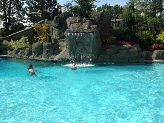 Hotel RL by Red Lion Spokane at the Park: Waterfall