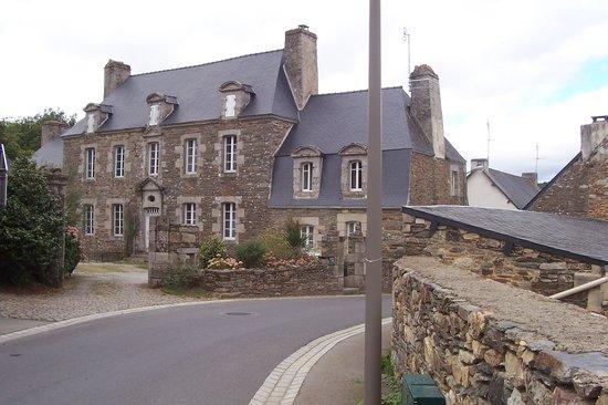 Le Quillio, France: maison de marchand de toile18èm