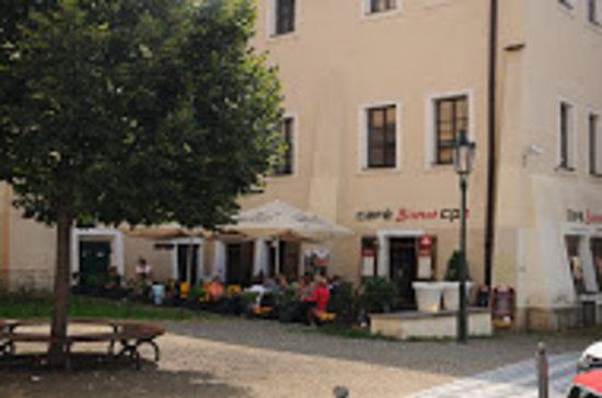 CP1 Café & Wine Bar: CP1 Café