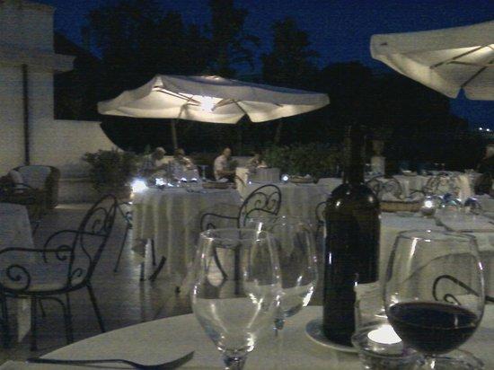 Villa Daphne : Ужин на террасе