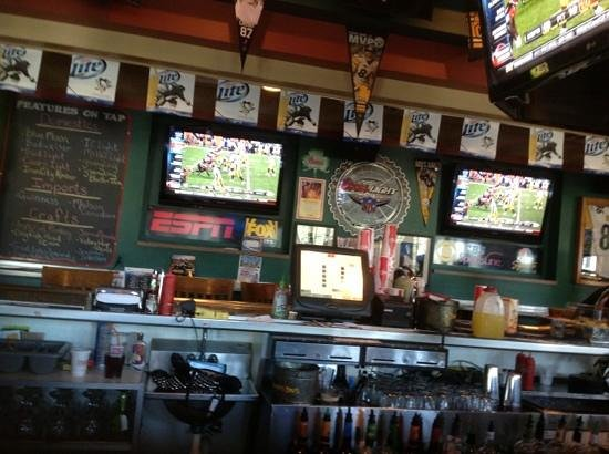 Primanti Bros.: lunch at the bar