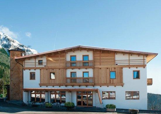 Pedavena, Itália: facciata dell'albergo - ristorante - bar