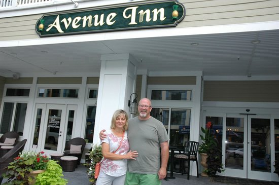 Avenue Inn & Spa: thank you Lew for taking our pic!