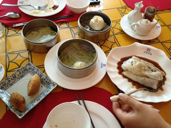 Ming Dynastie: Many kinds of dumplings - some good, some not so much...